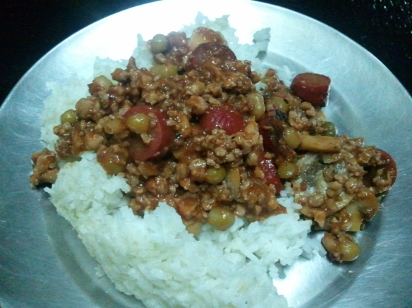 """Giniling"" (Ground pork) with tomato sauce: Filipino food."