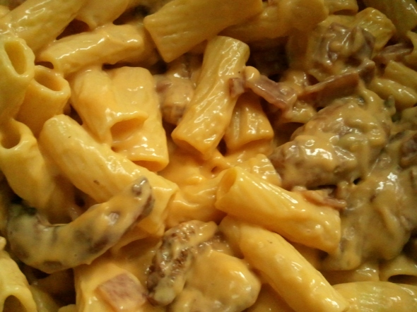 Rigatoni with bacon, chicken, and cheese.