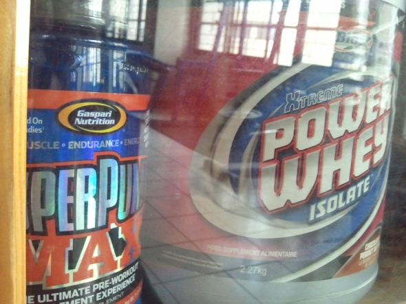 Supplements for building muscle mass found at the gym.